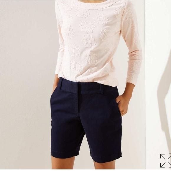Ann Taylor Pants - Ann Taylor size 2 navy blue Bermudas shorts